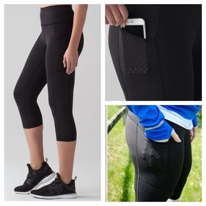 Lululemon Mind Over Miles black crop leggings